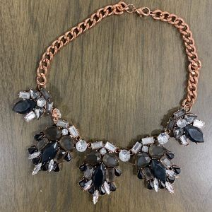 A necklace from honey